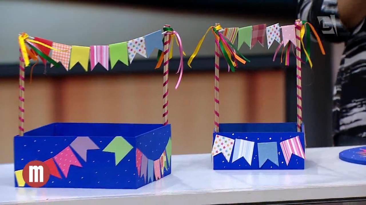 festa junina decorations: little boxes decorated with flags